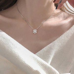 Jewelry - NEW 925 Sterling Crystal Snowflake Zircon Necklace